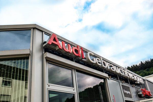 Audi Gebrauchtwagen :plus Fassade