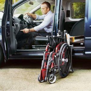 VW Caddy mit Handicap-Aktivfahrer